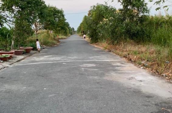 lô đất 100m2 thổ cư toàn bộ tại THÀNH PHỐ Vị Thanh